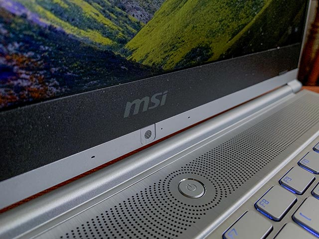 Parlantes MSI Modern 14